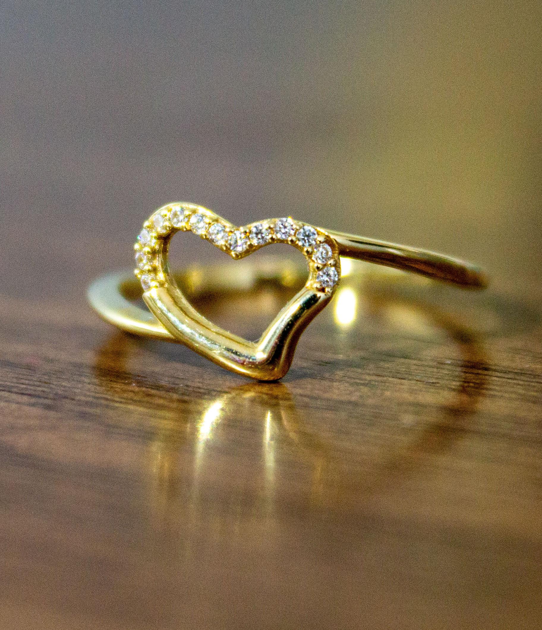 anillo de corazon de oro