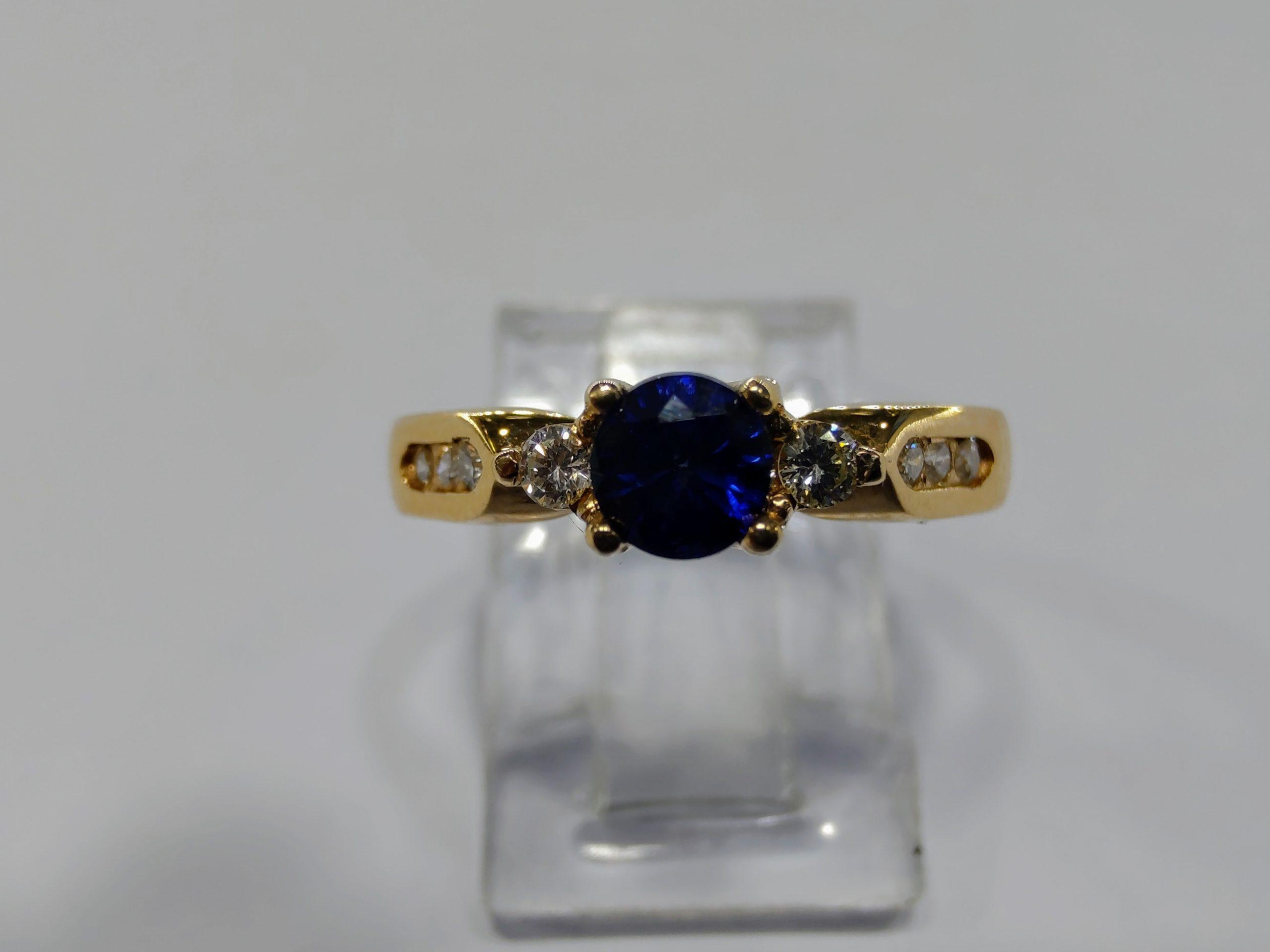 anillos de compromiso con zafiro